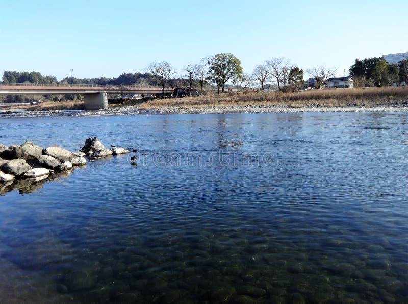 Widok Kuma rzeka od banka w Hitoyoshi mieście, Japonia obraz royalty free