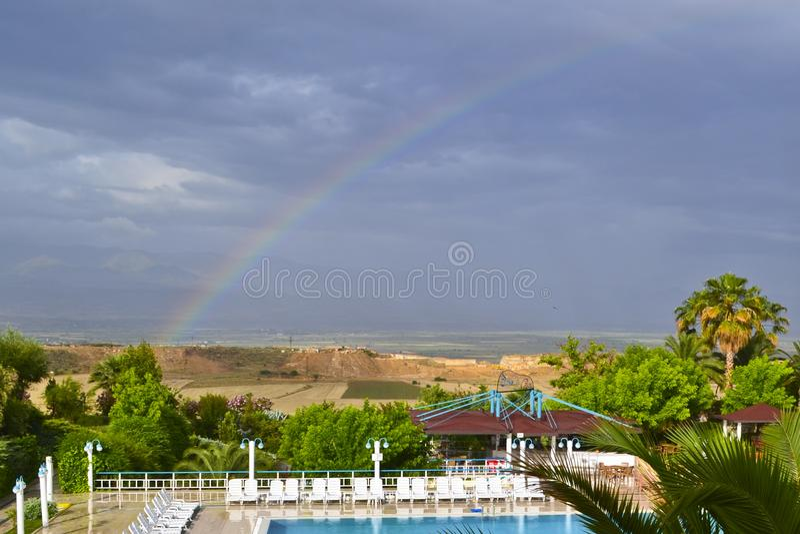 Widok lanscape, swinnong basen i tęcza wiejscy, obraz stock