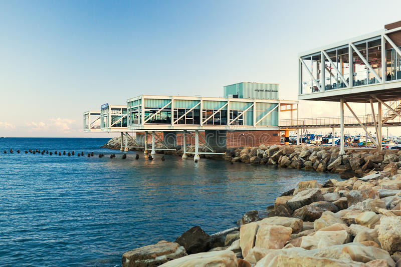 Widok Limassol Stary port przy zmierzchem obraz royalty free