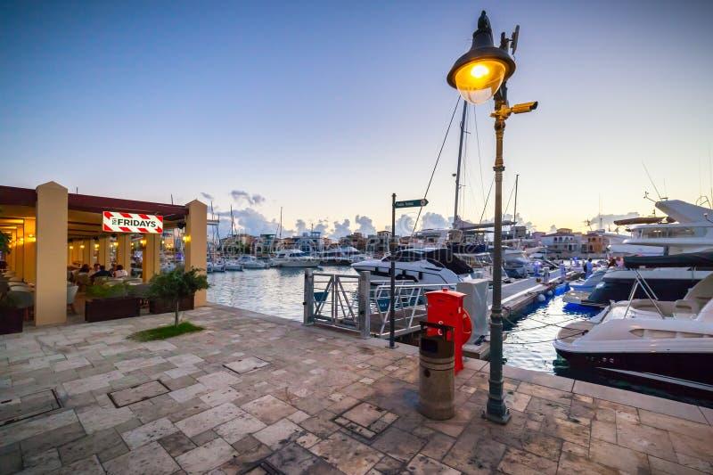 Widok Limassol Stary port przy zmierzchem obrazy stock