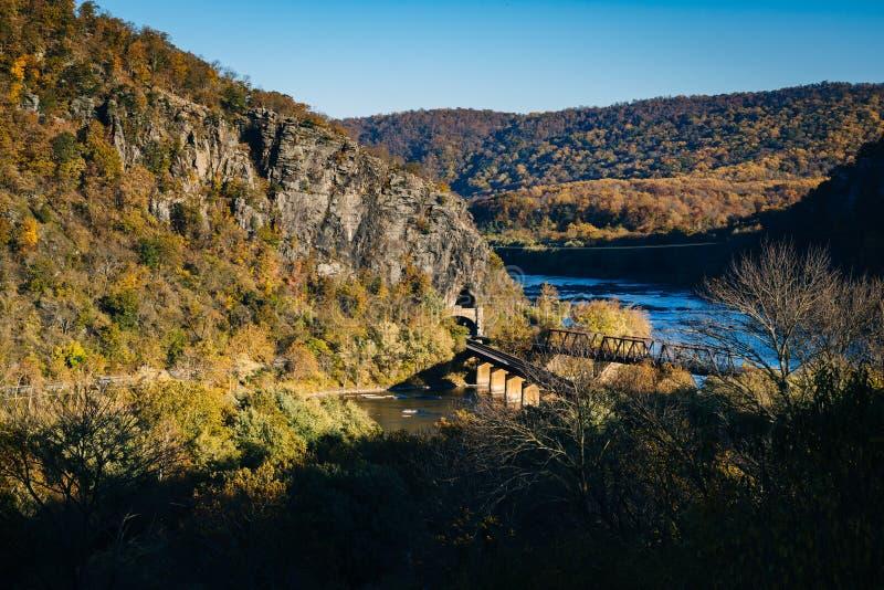 Widok linia kolejowa mosty i Potomac rzeka w harfiarzach, Przewozi fotografia royalty free
