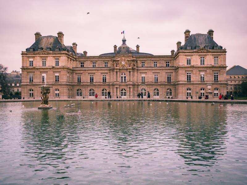 Widok Luksemburg pałac wśrodku jawnego ogródu Luxem, obrazy royalty free