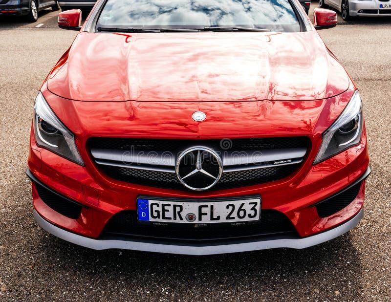 Widok luksusowy Czerwony Mercedes-Benz AMG obrazy stock