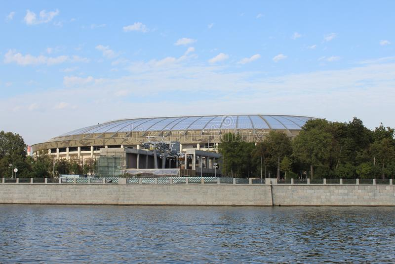 Widok Luzhniki stadium od statku od Moskwa rzeki fotografia royalty free