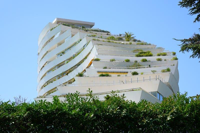 Widok Marina Baie des Anges budynku kompleks blisko Antibes, Francja fotografia stock