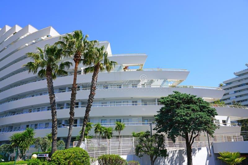 Widok Marina Baie des Anges budynku kompleks blisko Antibes, Francja obrazy royalty free