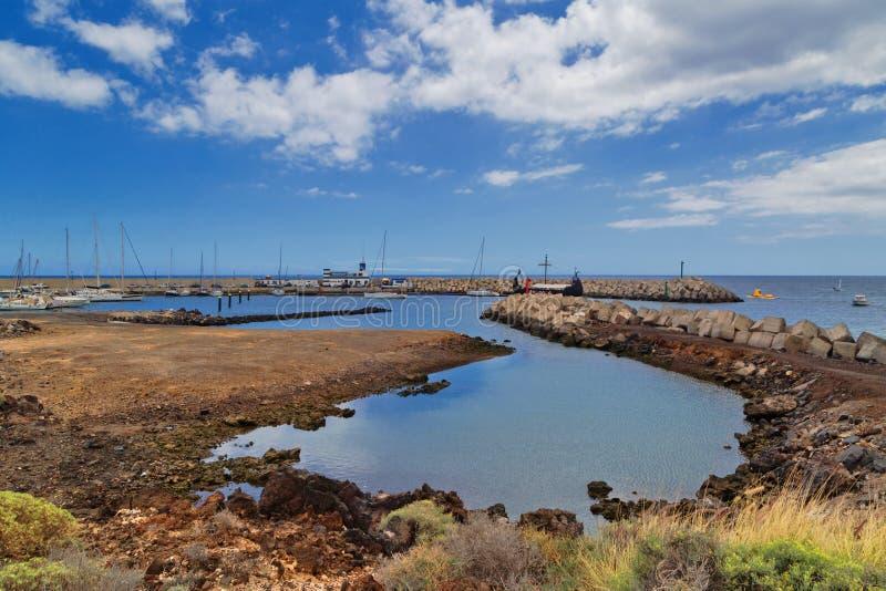 Widok marina Los Abrigos i wybrzeże zdjęcia royalty free