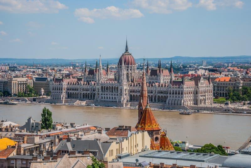 Widok miasto od historycznego budynku w Budapest zdjęcie royalty free