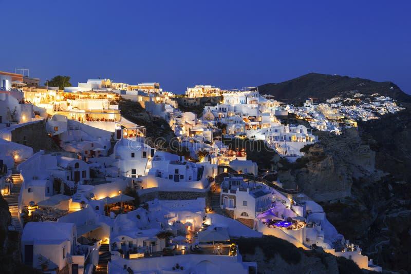 Widok miasto Oia w wieczór wyspy Oia santorini zdjęcie stock
