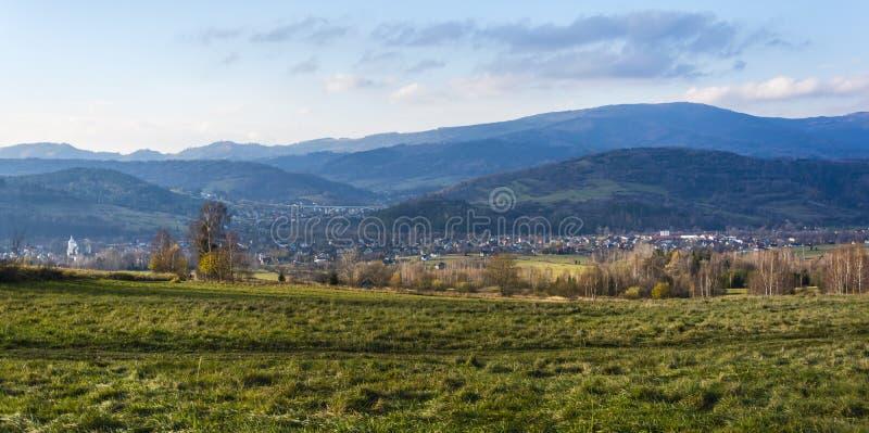 Widok Milowka wioska w Zywiec okręgu administracyjnym, ślązak Voivodeship w południowym Polska, fotografia stock