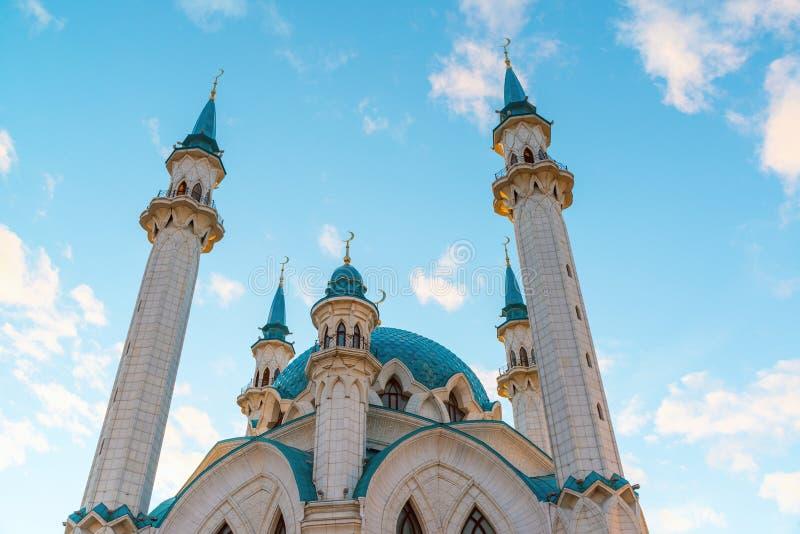 Widok minarety meczetowy Kul-Sharif przy zmierzchem coul Kazan meczetowy Russia sharif Tatarstan zdjęcia stock