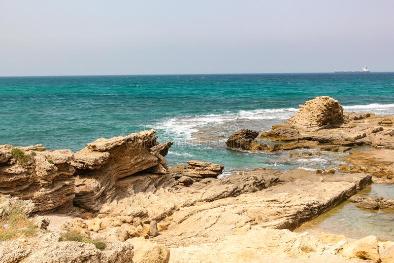 Widok morze śródziemnomorskie w regionie Caesarea Izrael obrazy stock