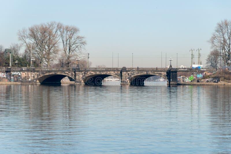 Widok most nad Alster rzekÄ… w Hamburg obraz royalty free