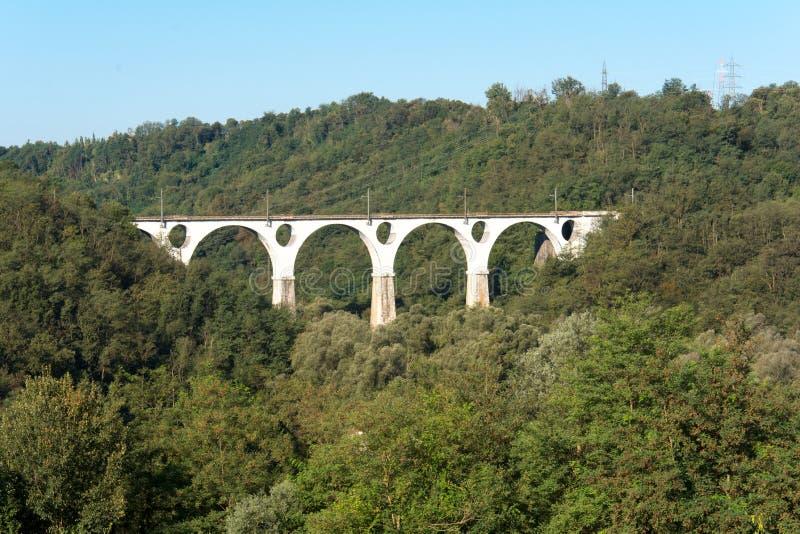 Widok most w Malnate, Varese Włochy zdjęcia stock