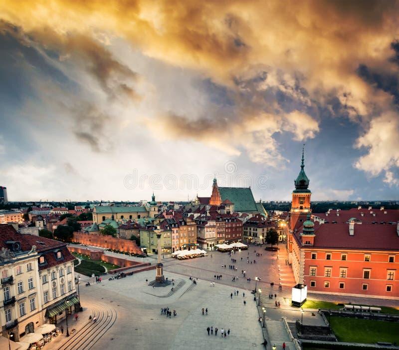 Widok na środkowym Warszawa kwadracie od urzędu miasta zdjęcia royalty free