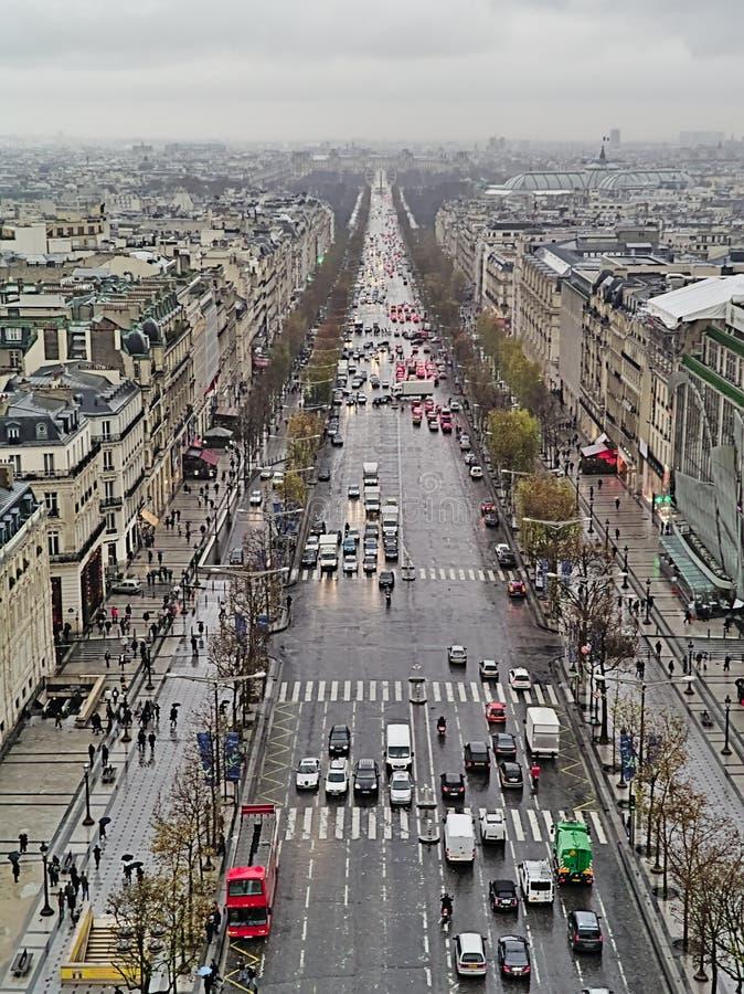 Widok na aleję Champs-lyses z arch de triomphe, Paryż, Francja zdjęcia stock