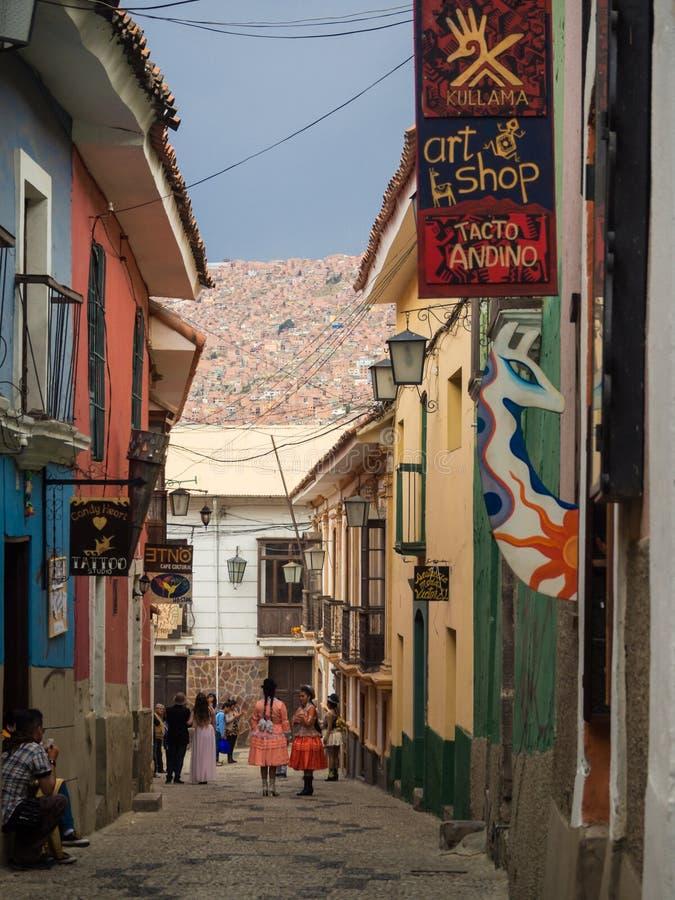 Widok na kolonialnych budynkach Jaen ulicą w losie angeles Paz Boliwia fotografia stock