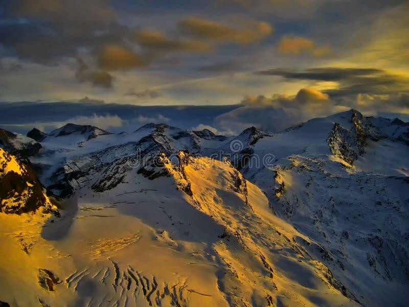 Widok na lodowu przy zmierzchem w wieczór zdjęcie royalty free