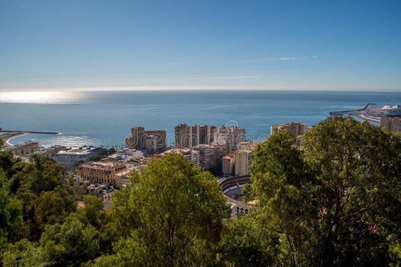 Download Widok Na Malaga Od Wierzchołka Obraz Editorial - Obraz złożonej z niebo, wycieczka: 106909015