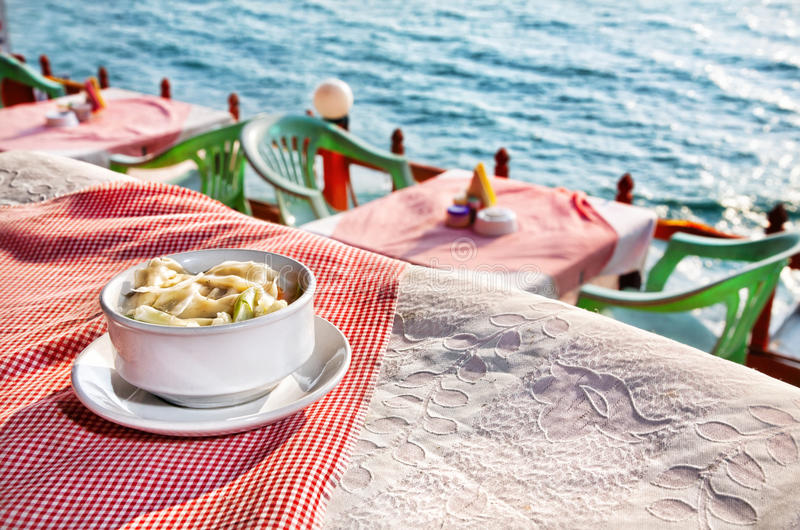 Widok na ocean restauracja obrazy royalty free
