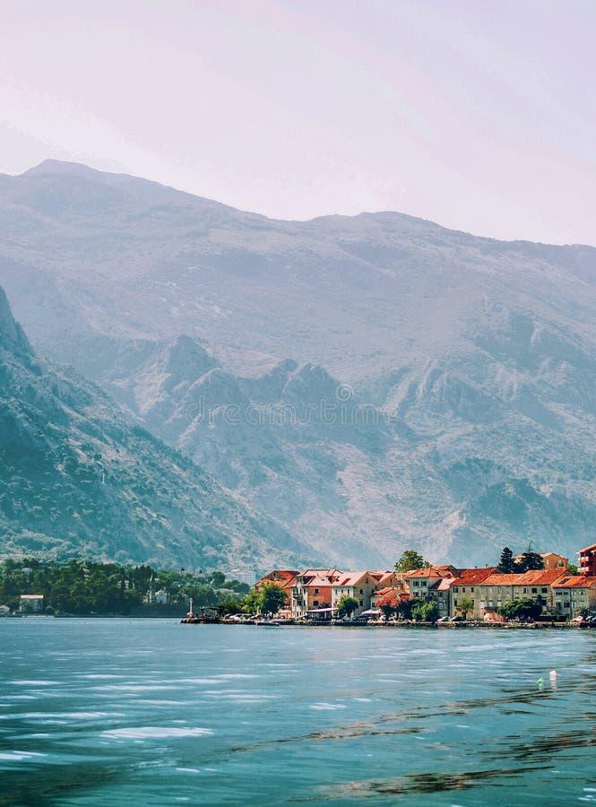 Widok na pięknym miasteczku w Adriatyckim morzu fotografia stock