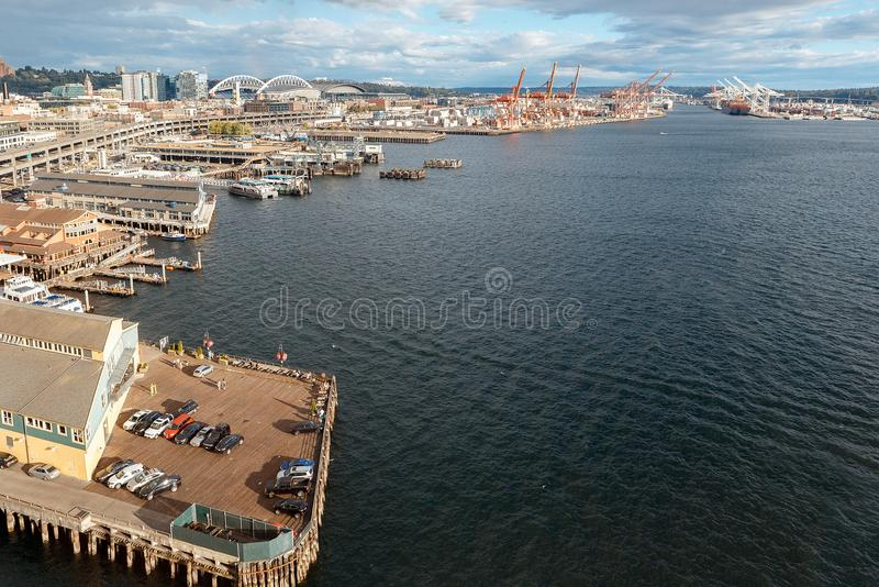 Widok na Seattle nabrzeżu od Wielkiego Ferris koła zdjęcia stock