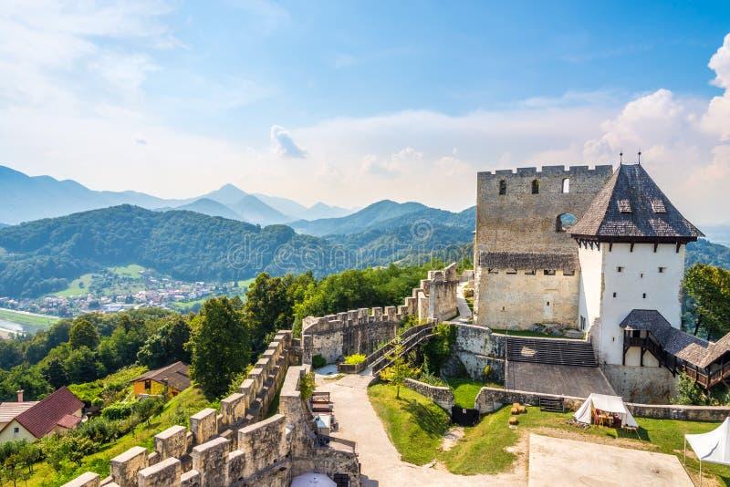 Widok na starym katoliku Celje w Słowenii zdjęcie stock
