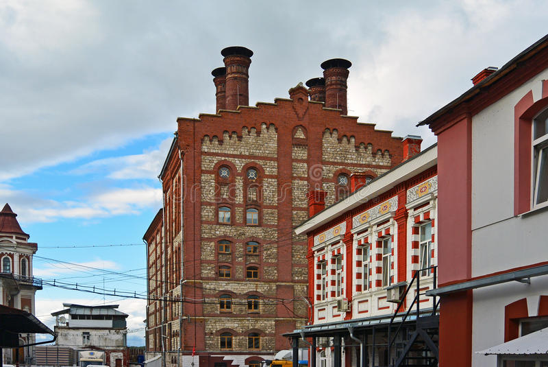 Widok na starym piwnym fabrycznym Zhiguli browarze w Samara mieście, Rosja zdjęcie stock
