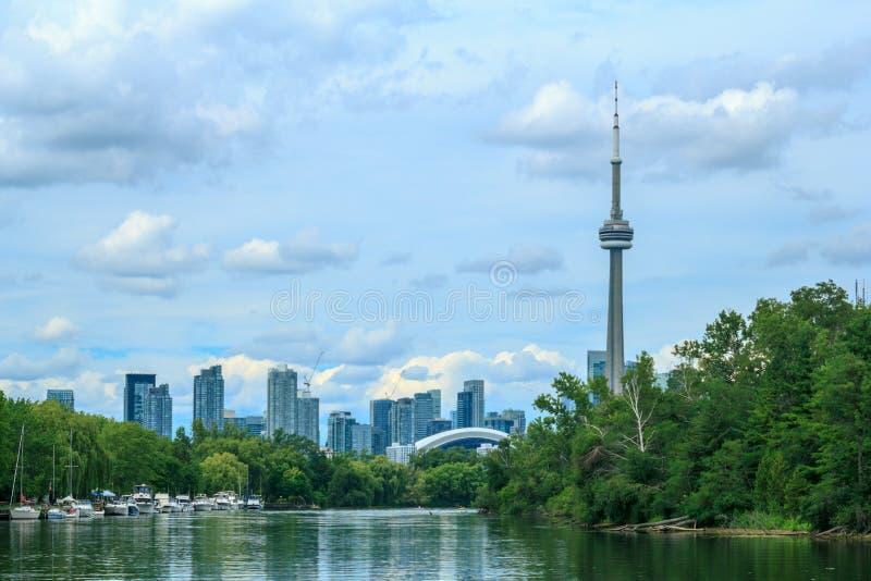 Widok na Toronto śródmieściu od wyspy zdjęcia royalty free