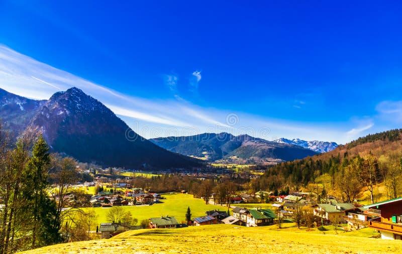Widok na wiosce Schoenau Koenigsee w Bawarskich Alps zdjęcie royalty free