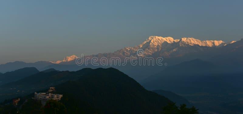 Widok na wschód słońca pasma górskie Annapurna od Sarangkot, Nepal obraz royalty free