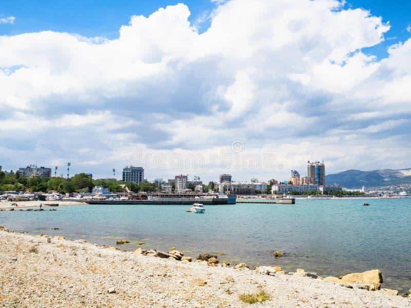 Widok nabrzeże w Novorossiysk mieście fotografia stock