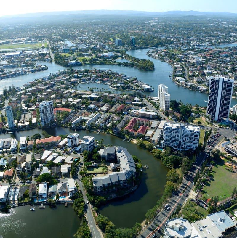 Widok nad Nerang rzeką i surfingowa rajem w Queensland zdjęcia stock
