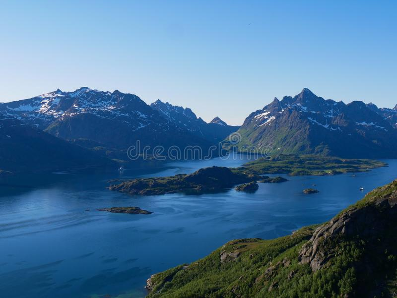 Widok nad Tengelfjord w Lofoten Norwegia obraz stock