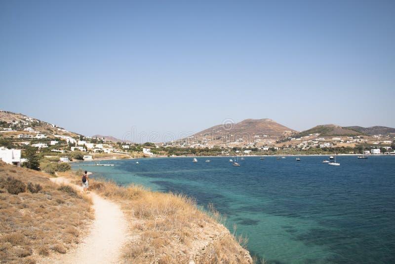 Widok nad zatoką w Paros, Grecja zdjęcia royalty free