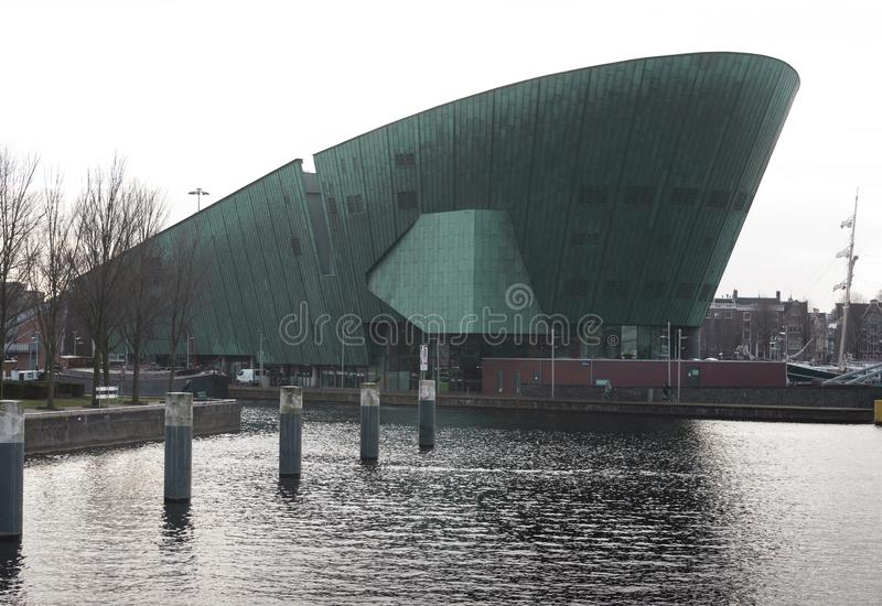 Widok NEMO- nauki muzeum, Amsterdam holandie zdjęcia stock