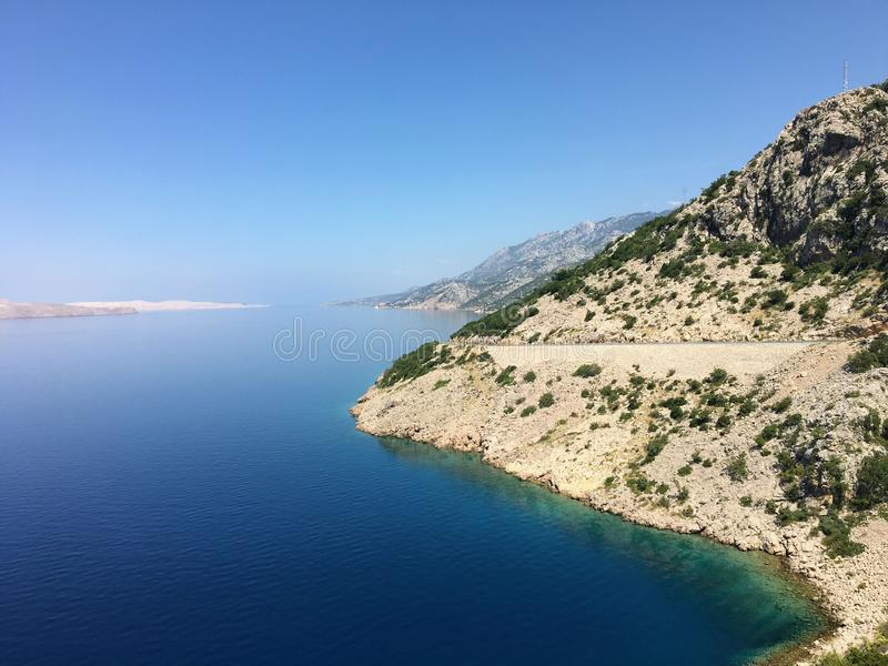 Widok niesamowicie piękna adriatic autostrada Ten porcja przejażdżka jest wzdłuż wybrzeża Chorwacja obok Adriatic fotografia royalty free