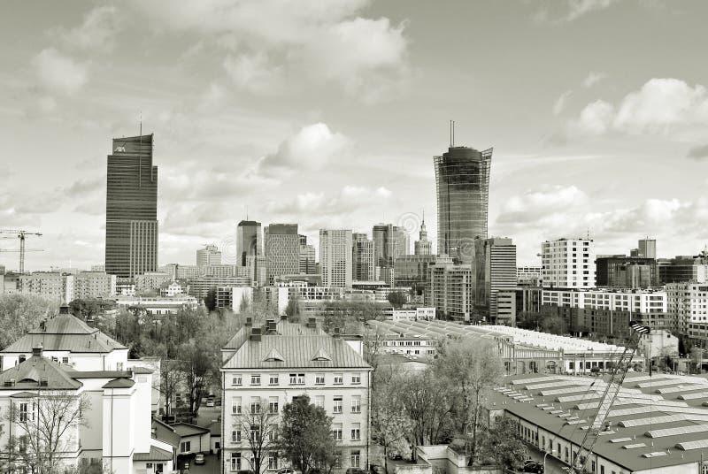 Widok nowożytny centrum miasta czarny white obraz royalty free