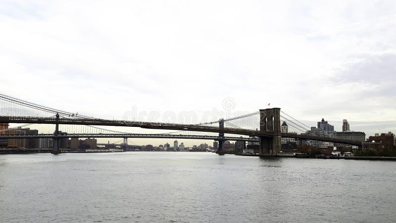 widok nowy York z zawieszenie mostem obraz stock
