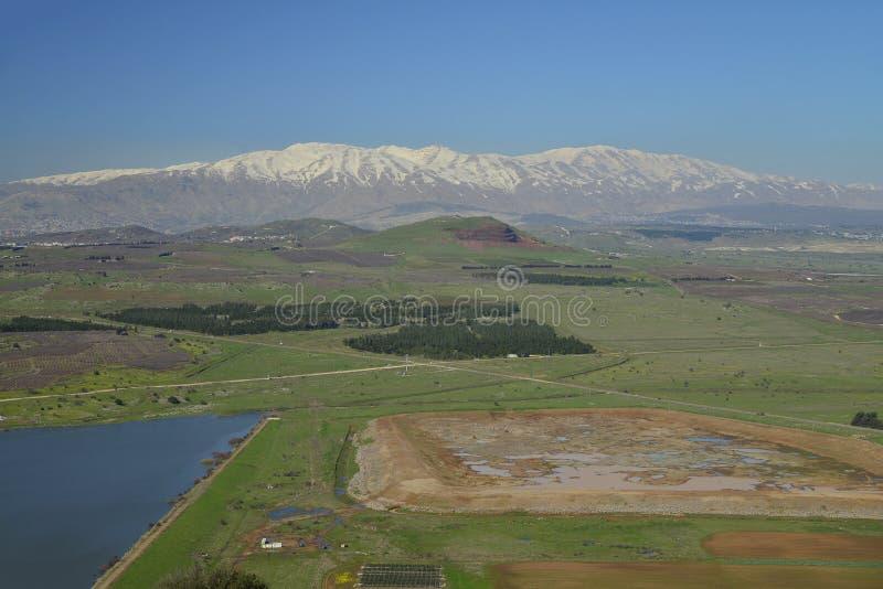 Widok od Bental góry i hermon wspinamy się w tle zdjęcie stock