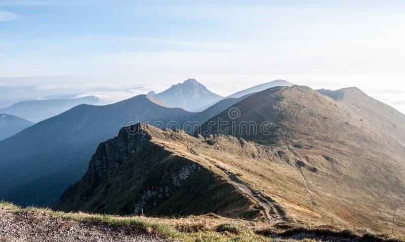 Widok od Chleba wzgórza w Mala Fatra górach w Sistani zdjęcie stock