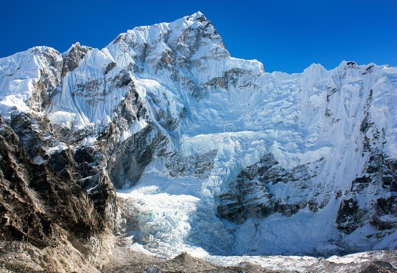 Widok od Everest podstawowego obozu zachód skały twarz N obrazy royalty free