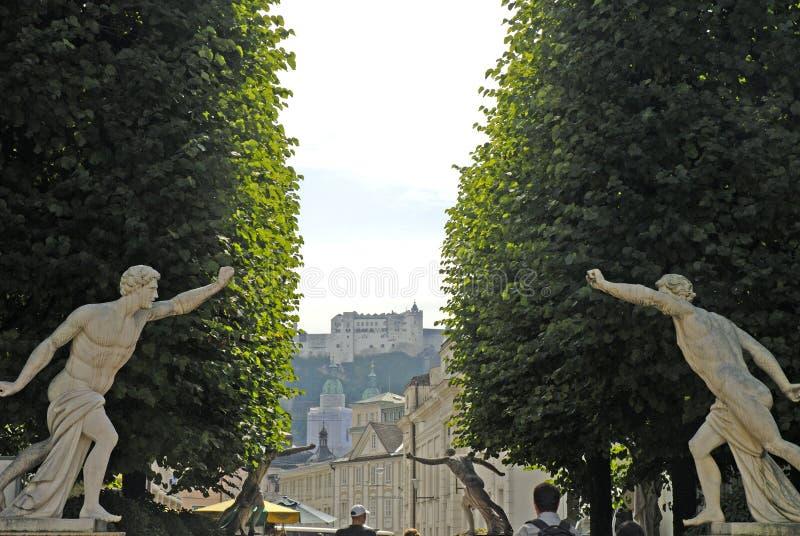 Widok od grodzkiego ot Hohensalzburg forteca, Salzburg jest najwięcej zupełny forteca od średniowiecznych czasów opuszczać w Euro obrazy royalty free