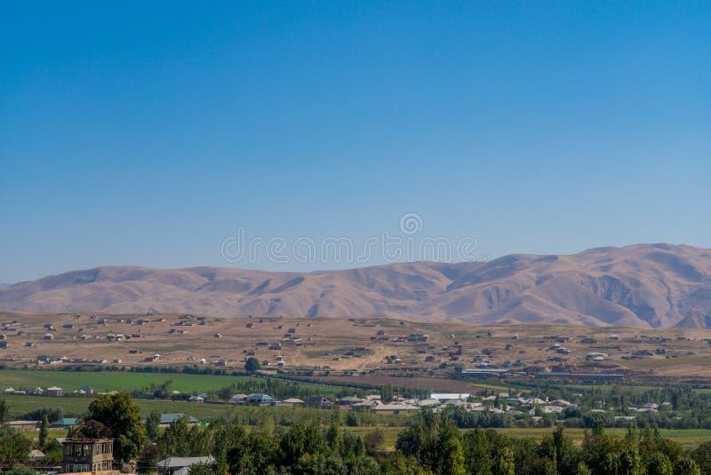 Widok od Hisor fortecy w Tajikistan, ?rodkowy Azja obraz stock