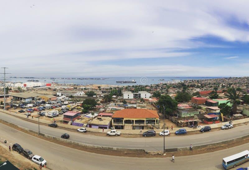 Widok od hotelu w kapitale Angola, Luanda miasto obrazy royalty free