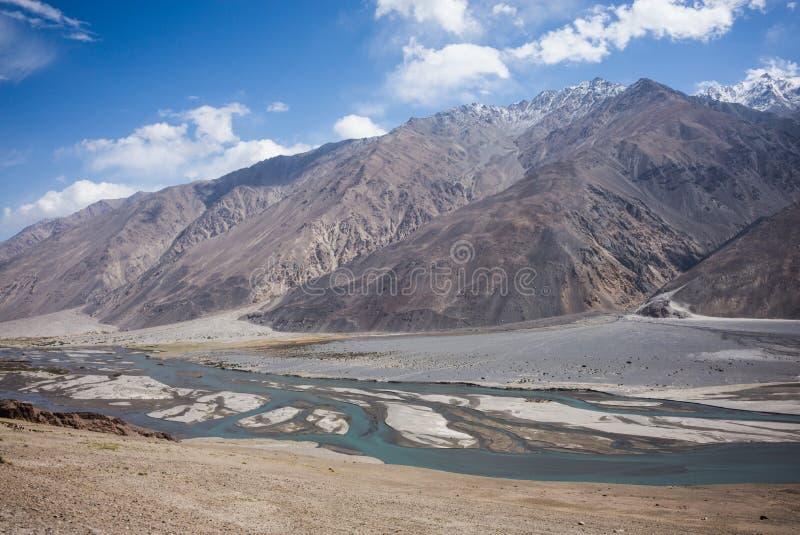 Widok od Khaakha fortecy Piękna sceneria wzdłuż wycieczki samochodowej na Wakhan dolinie, Pamir autostrada, Tajikis zdjęcia royalty free