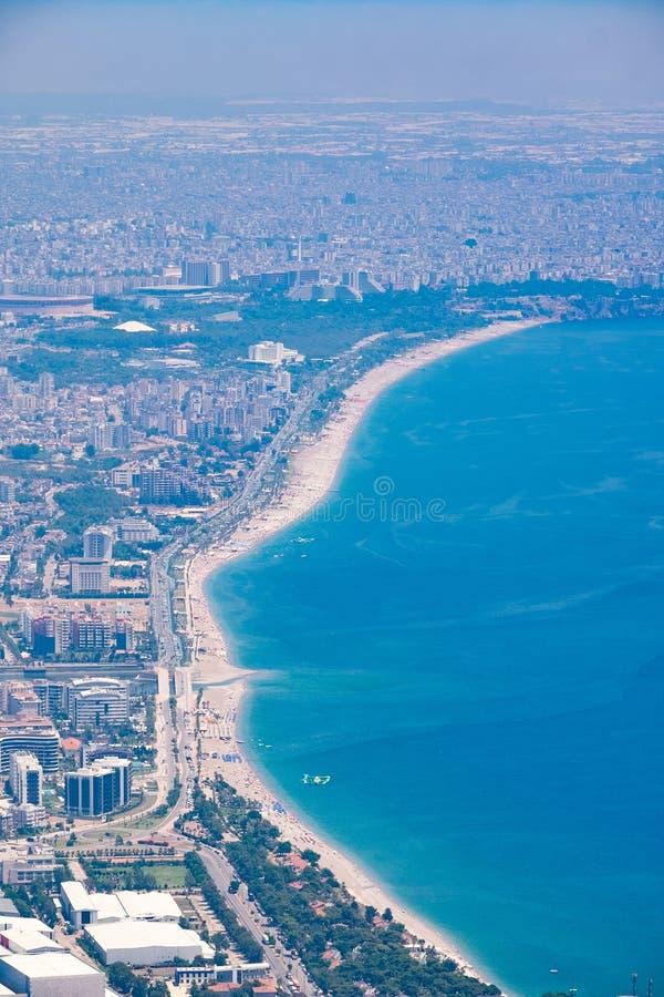 Widok od obserwacja pokładu TÃ ¼ nektepe Teleferik Tesisleri w Antalya, Turcja obraz stock