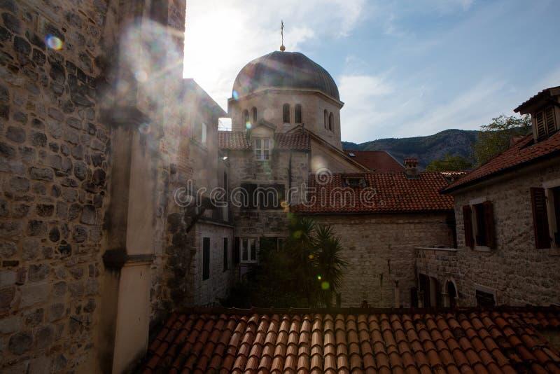 Widok od okno stary miasteczko na dachu fotografia stock