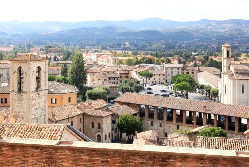 Widok od piazza Grande przy Gubbio, Włochy zdjęcie stock