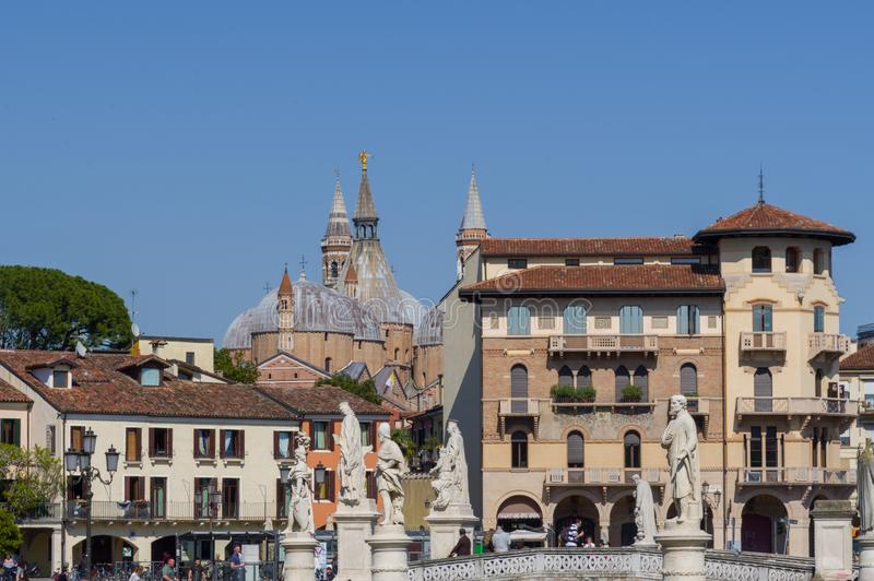 Widok od Prato della Valle kwadrata w Padua obrazy stock